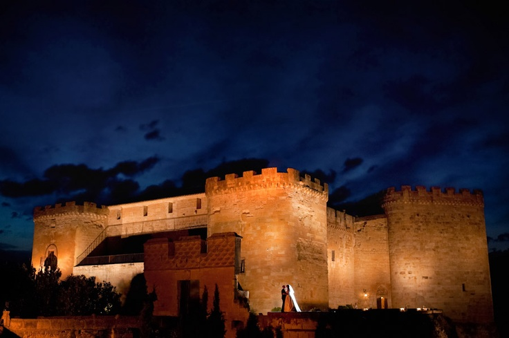 свадьба в замке в Испании