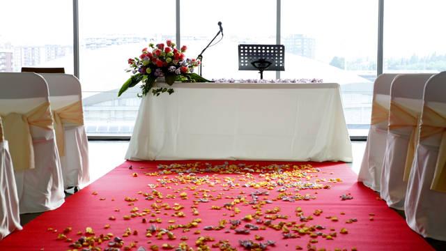 Свадьба на стадионе Камп Ноу